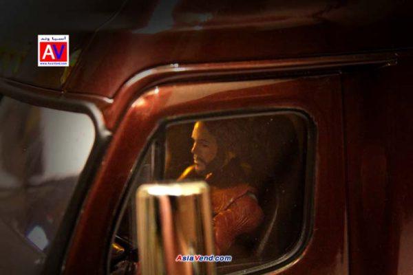آدمک داخل ماکت ماشین و کامیون کنترلی تامیا 600x400 کامیون کنترلی مدل Tamiya Cascadia Evolution