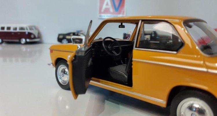 ماکت ماشین آلمانی BMW 2002 ti 4 1 750x400 خرید ماکت ماشین آلمانی BMW 2002 ti