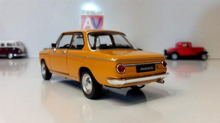ماکت ماشین آلمانی BMW 2002 ti 5 1 711x400 ماکت ماشین آلمانی BMW 2002 ti