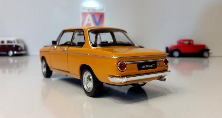 ماکت ماشین آلمانی BMW 2002 ti 5 1 750x400 خرید ماکت ماشین آلمانی BMW 2002 ti